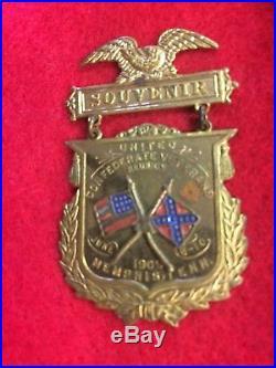 1909 United Confederate Veterans Civil War Reunion Souvenir Medal Pin Memphis TN