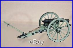 BRITAINS 17244 AMERICAN CIVIL WAR CONFEDERATE FORWARD with the COLOUR SET nv
